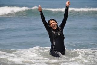 t14-ganz-surfing-1_2